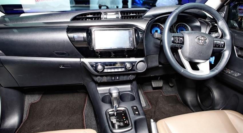 Revo Minor Change 2019 >> Toyota Hilux Revo Interior - Toyota Hilux Revo Rocco Exporter Thailand, Australia, Dubai