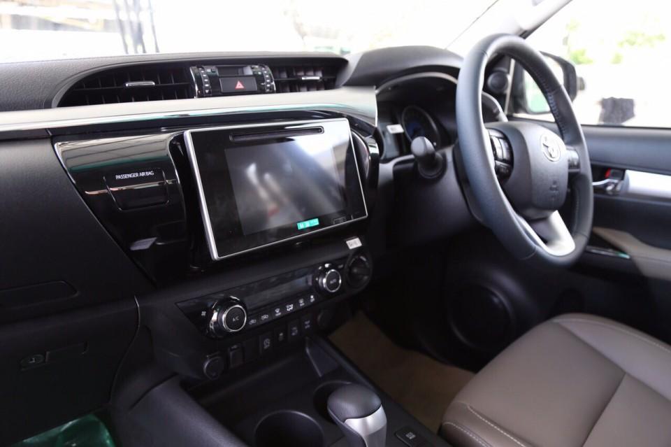Toyota Hilux Revo Interior Toyota Hilux Revo Exporter