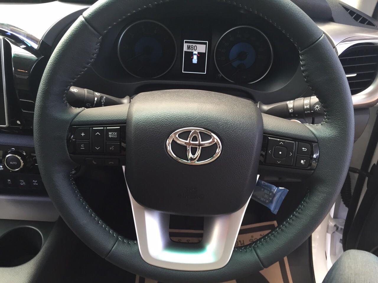 Toyota hilux revo interior toyota hilux revo exporter thailand steering of 2015 2016 toyota hilux revo 2800 cc double cab swarovskicordoba Choice Image