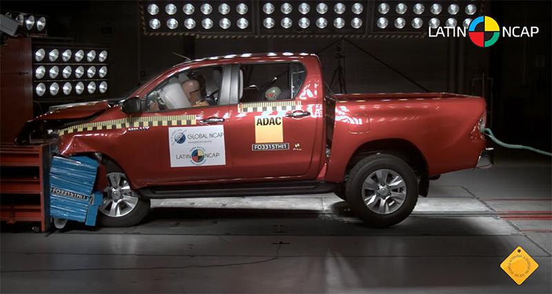 Toyota-Hilux-REVO-Safety