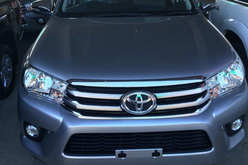 Toyota-Hilux-Revo-Double-Cab-2400cc-E-Diesel-Prerunner-6-Auto-front