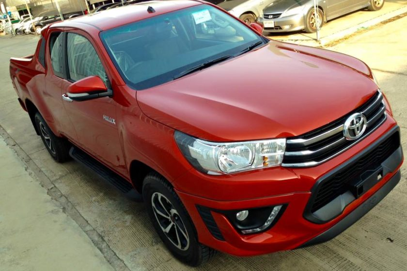 red-smart-cab-revo-front-side