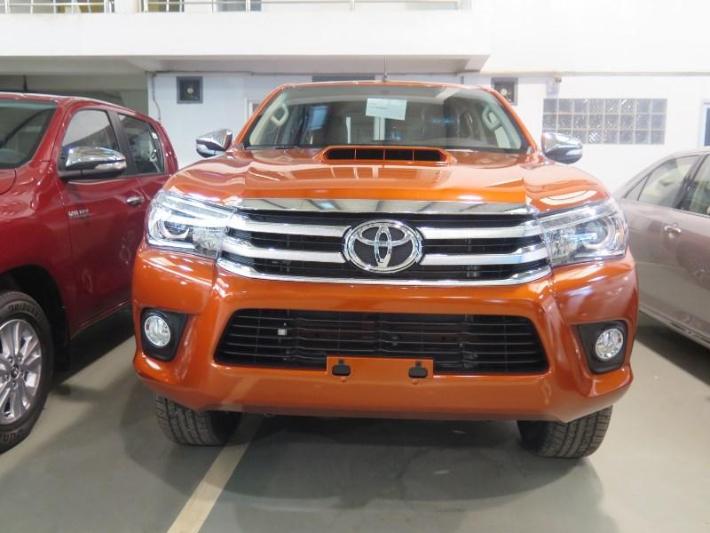 LHD Toyota Hilux Revo