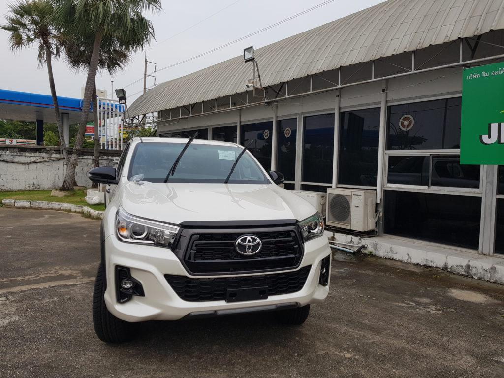 Revo Minor Change 2018 >> 20180405_174932 - Toyota Hilux Revo Exporter Thailand, Australia, Dubai, UK